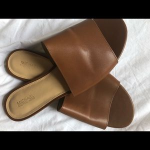 Michael Kors tan slide sandal